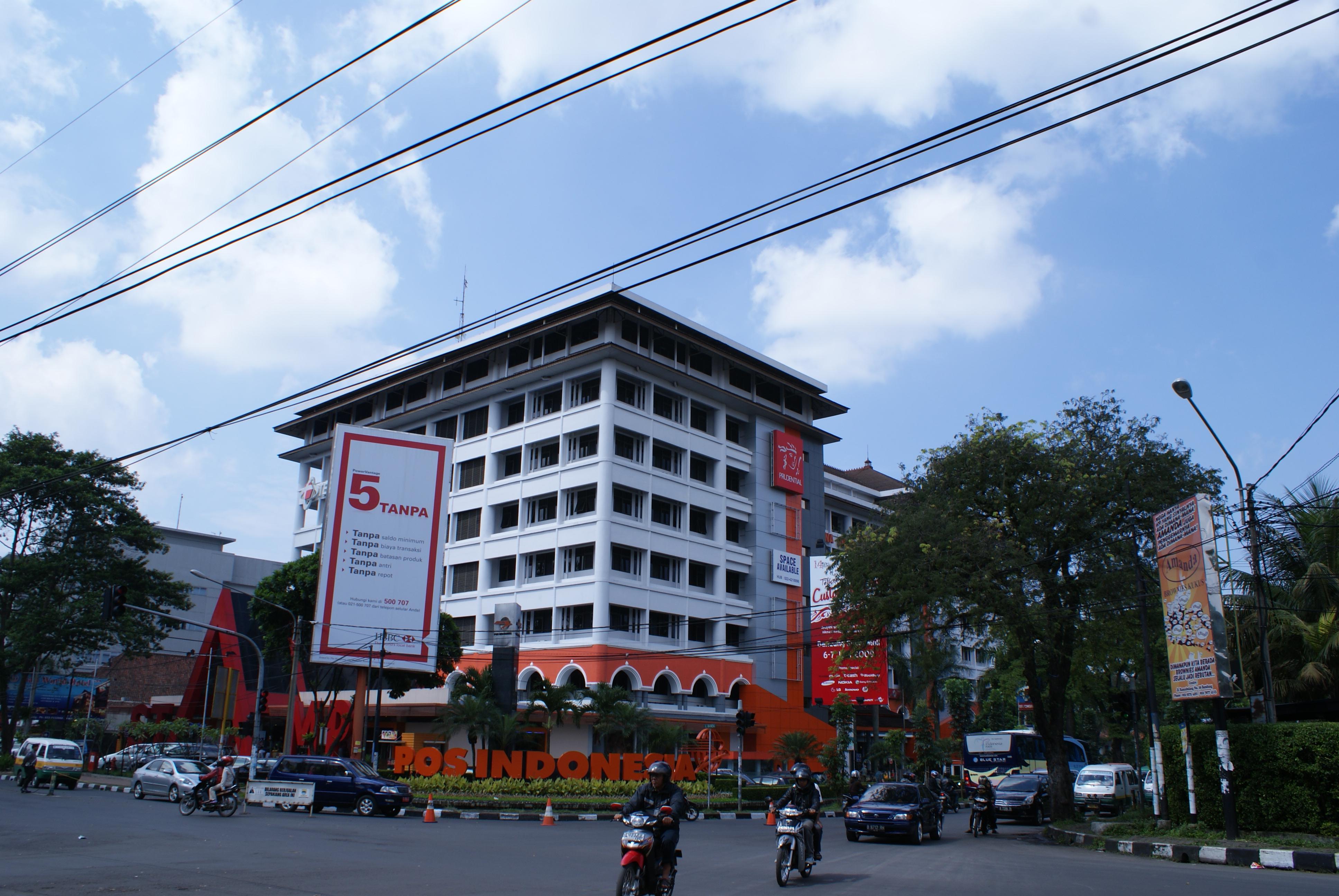 Gedung Pos Indonesia ( depan Heritages deket Jonas)